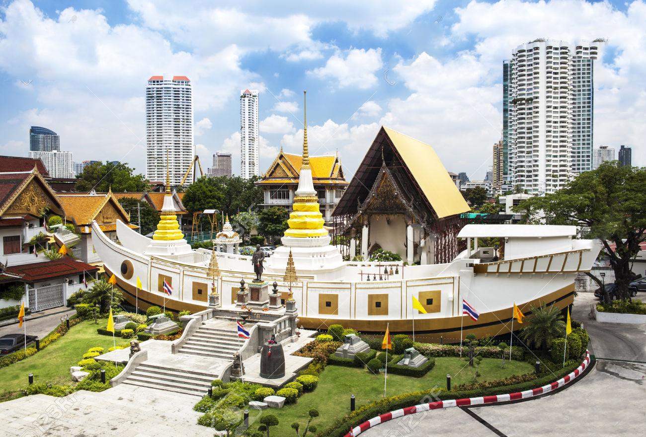 Kết quả hình ảnh cho ảnh đẹp chùa thuyền Thái Lan